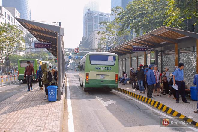 """Cận cảnh trạm xe buýt 8,5 tỷ đồng, """"sang chảnh"""" nhất trung tâm Sài Gòn và có nhà vệ sinh thông minh - Ảnh 13."""