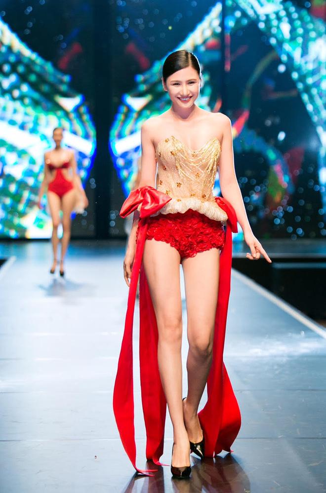 Đêm Hội Chân Dài: Ngọc Trinh khoe dáng nõn nà với nội y, không còn làm Thiên thần Victorias Secret - Ảnh 14.