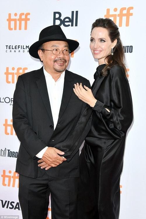 Pax Thiên giờ đã là quý tử cao nhất nhà Angelina Jolie, xuất hiện đầy chững chạc trên thảm đỏ - Ảnh 13.
