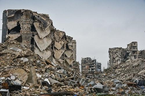 Công binh Nga cày xới từng mét đất Aleppo - Ảnh 14.