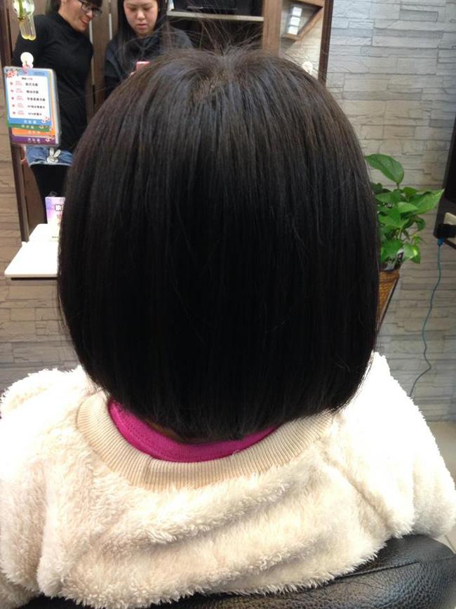 Bị mẹ ngăn cản, cô bé 5 tuổi vẫn kiên quyết cắt tóc răng cưa để giống thần tượng Maruko - Ảnh 15.