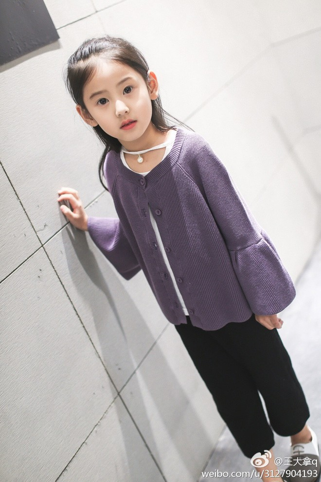 Tiểu tiên nữ có vẻ đẹp giống hệt Trương Bá Chi được dự đoán sẽ trở thành hot girl tương lai - Ảnh 15.