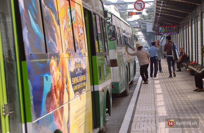 """Cận cảnh trạm xe buýt 8,5 tỷ đồng, """"sang chảnh"""" nhất trung tâm Sài Gòn và có nhà vệ sinh thông minh - Ảnh 15."""