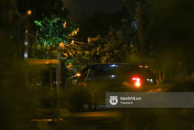 Hà Hồ - Kim Lý lại dính như sam, thân mật ngoài phố và cùng nhau về nhà lúc nửa đêm - Ảnh 16.