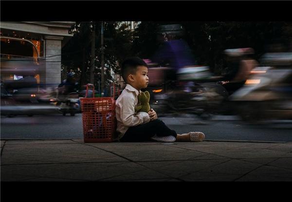Sự thật bất ngờ về cậu bé đánh giày đang gây bão cộng đồng mạng - Ảnh 17.