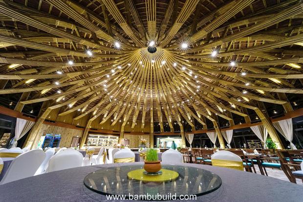Nhà hàng hình nón làm từ 150.000 cây tre ở Kim Bôi khiến tạp chí kiến trúc Mỹ hết lời khen ngợi - Ảnh 17.