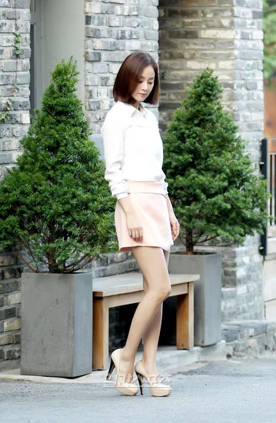 Bí quyết thời trang để Kim Tae Hee trẻ như 18 khi đã gần 40 - Ảnh 6.