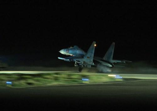 Sư đoàn Không quân 370 thực hành diễn tập bắn đạn thật - Ảnh 18.