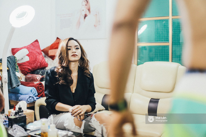 Nghe nữ thợ xăm 9X Hà Nội kể về những lần xăm trên vùng nhạy cảm của khách 18