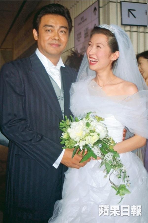 19 năm bên nhau không con cái, vợ chồng Hoa hậu Hongkong vẫn tình cảm mặn nồng - Ảnh 6.