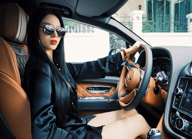 Cuộc sống ngập trong đồ hiệu, xe sang bên chồng đại gia của cựu hotgirl Huyền Baby - Ảnh 18.