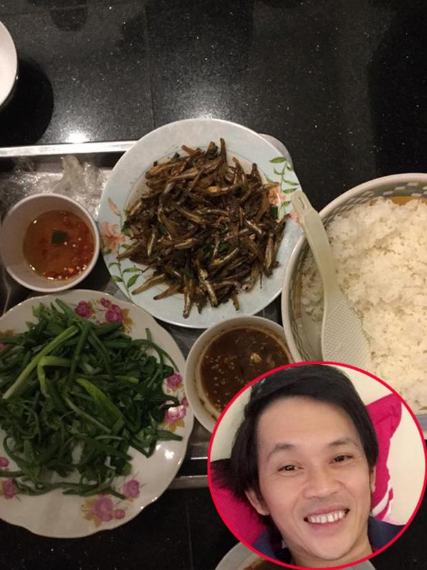 Sau sự hào nhoáng bên ngoài của showbiz, vẫn có những sao Việt giản dị đi xe máy, ăn mì tôm giản dị - ảnh 18