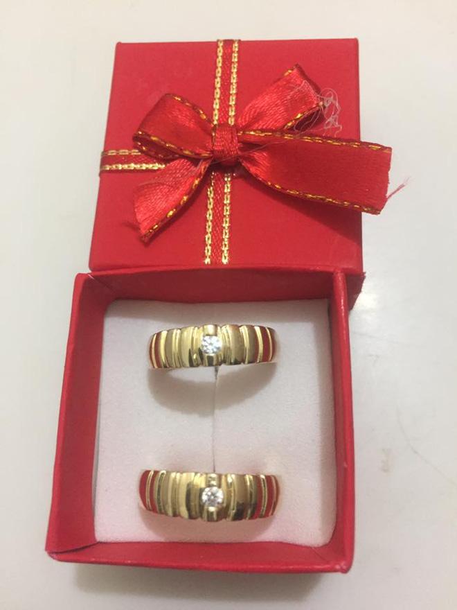 Chị em tới tấp khoe quà 20/10: Người sung sướng với vàng bạc, xe ga, người được tặng rổ hoa thiên lý - Ảnh 18.