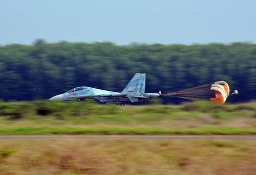 Sư đoàn Không quân 370 thực hành diễn tập bắn đạn thật - Ảnh 19.