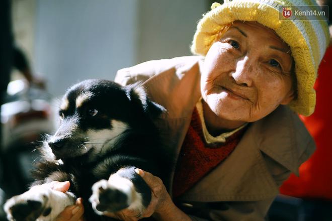 Hồng nhan thời trẻ nhưng về già chẳng chồng con, cụ bà 83 tuổi bầu bạn với thú hoang nơi phố núi Đà Lạt - Ảnh 20.