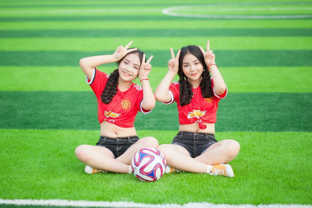 Song sinh đã đặc biệt, các cặp chị em này còn xinh đẹp và tài năng nữa!