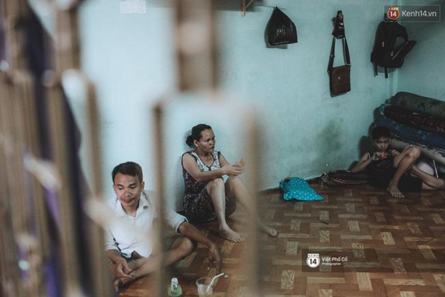 Xe hàng rong 25 năm và một tổ ấm đơn sơ của anh gù nhà thờ Đức Bà Sài Gòn - Ảnh 3.