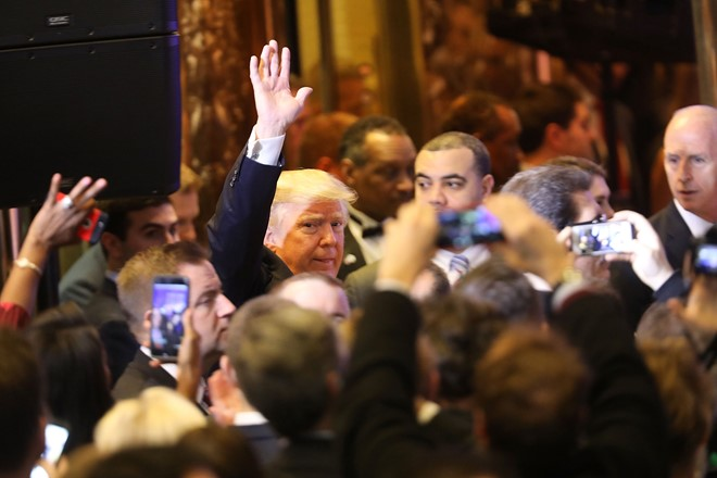 Họp báo, Trump chỉ trích tình báo Mỹ hành xử như phát xít - Ảnh 3.