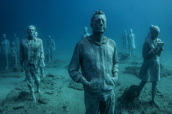 Vùng biển khiến ai cũng phải lạnh người khi nhìn thấy cảnh tượng ở dưới đáy - Ảnh 3.