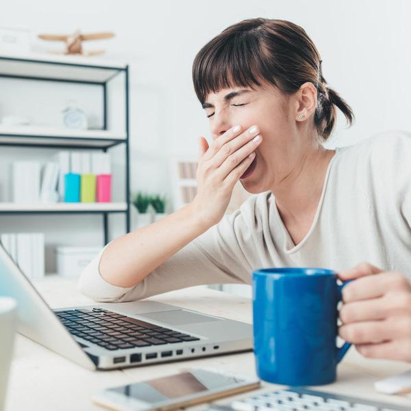 Những thời điểm và thói quen uống cà phê gây hại nhiều hơn là có lợi - Ảnh 3.