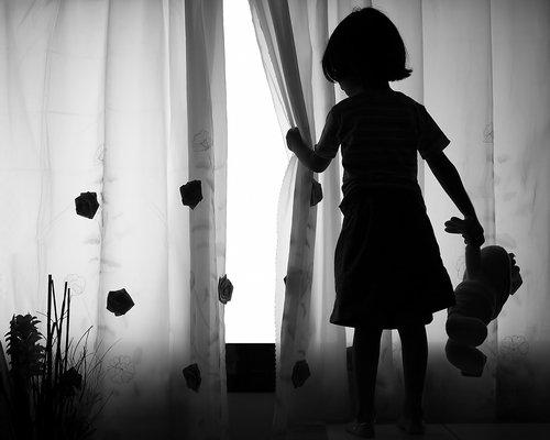 Bảo vệ trẻ khỏi nạn ấu dâm bằng quy tắc đồ lót - Ảnh 2.
