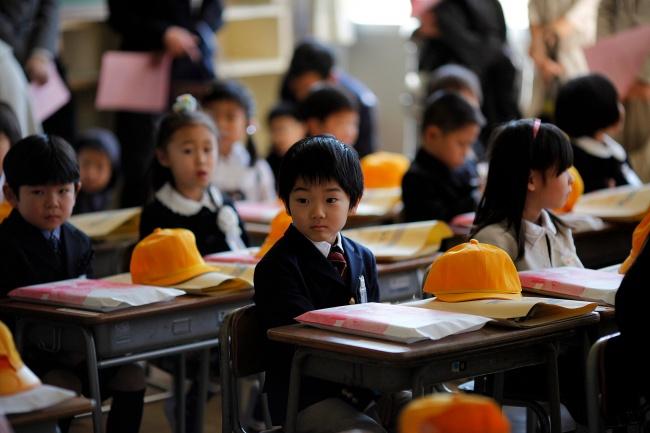Tại sao người Nhật lại để trẻ con đi lại, vui chơi một mình mà không cần người lớn? - Ảnh 3.