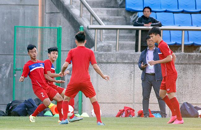 Hot boy U20 VN khiến HLV Hoàng Anh Tuấn âu lo - Ảnh 3.