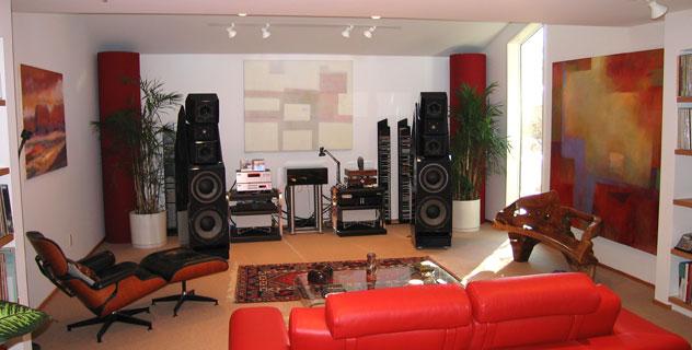 Lý do gì khiến cho những tác phẩm loa gỗ này có giá tới hơn 300.000 USD? Đó là tâm huyết của một con người muốn có được âm thanh tuyệt hảo - Ảnh 2.