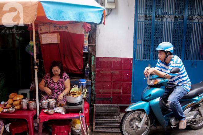 Chuyện cô Ba Sài Gòn có nụ cười giòn tan: Bán phá lấu 28 năm, nuôi 7 miệng ăn và mua nhà 3 tỷ - ảnh 3