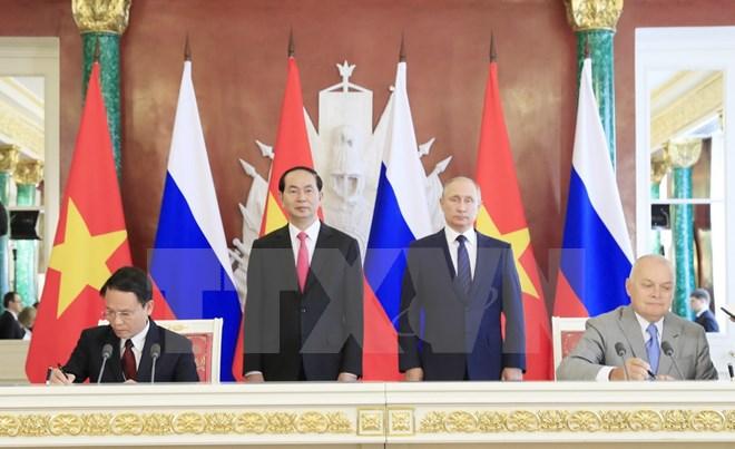 Chủ tịch nước Trần Đại Quang hội đàm với Tổng thống Nga Putin - Ảnh 2.
