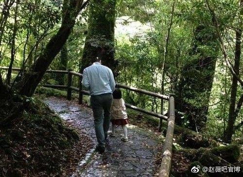 Những bức ảnh giản dị nhưng đong đầy hạnh phúc của tổ ấm Triệu Vy - Huỳnh Hữu Long - Ảnh 3.