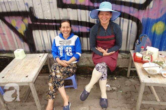 Bò và Vịt đôi chị em bán hàng dễ thương nhất Sài Gòn: Thân như ruột thịt, đắt thì đắt chung, ế cũng ế cùng - Ảnh 3.