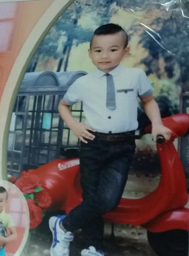 Nỗi lòng của người bố bé trai 4 tuổi bị mất tích khi về nhà bà ngoại chơi - Ảnh 1.