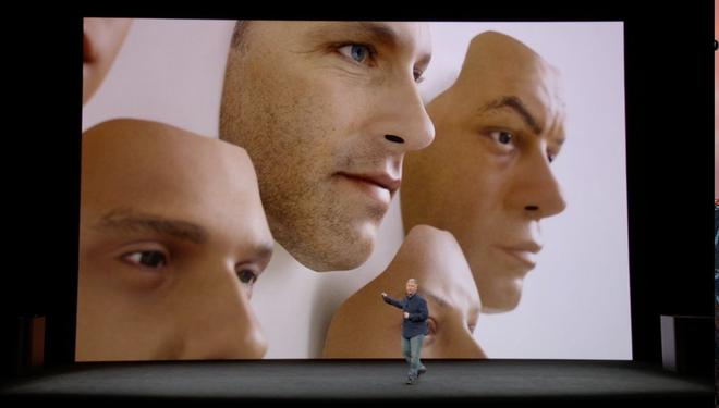 Hệ thống nhận diện khuôn mặt mới của Apple thất bại ngay trên sân khấu ra mắt iPhone X - Ảnh 3.