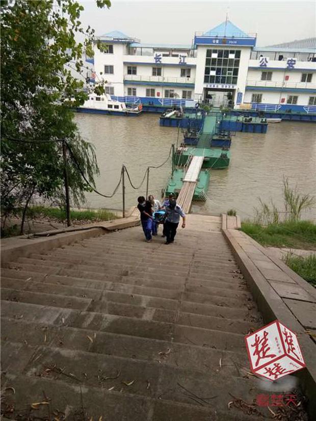 Vừa nhảy sông tự tử, cô gái liền hối hận và sống sót như kì tích nhờ nỗ lực cố nổi khi lênh đênh suốt 40km - Ảnh 3.