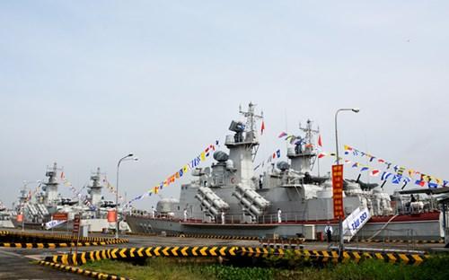 [ẢNH] Bàn giao và thượng cờ hai tàu tên lửa hiện đại 382 và 383  - Ảnh 3.