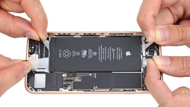 Những viên pin bị phồng của iPhone 8 Plus là do áp lực của cả một ngành công nghiệp smartphone - Ảnh 3.