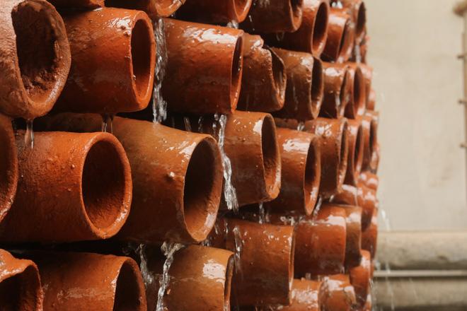 Ấn Độ thiết kế ra điều hòa không chạy điện, chỉ cần bình đất nung, nước và gió - Ảnh 2.