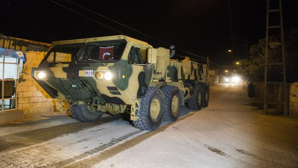 NÓNG: QĐ Thổ Nhĩ Kỹ chính thức ào ạt vượt biên, xông vào Idlib, Syria - Căng thẳng tột độ - Ảnh 3.