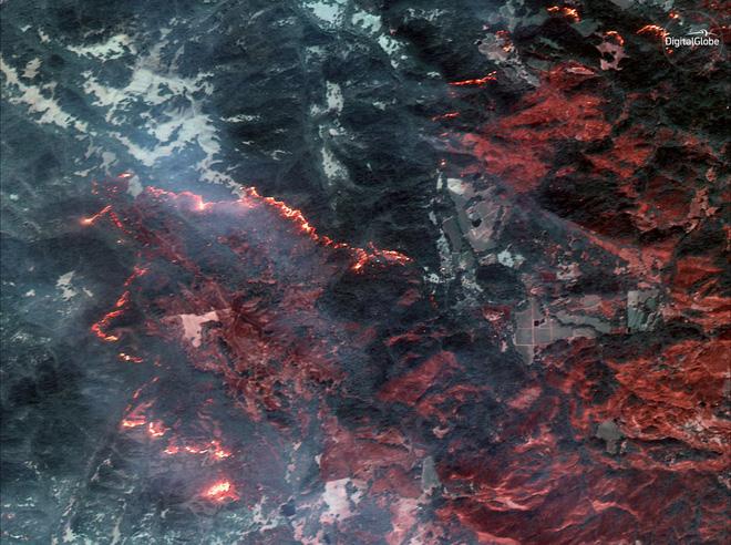 Mỹ: Toàn cảnh vụ cháy rừng khủng khiếp tại California qua những bức ảnh vệ tinh - Ảnh 3.