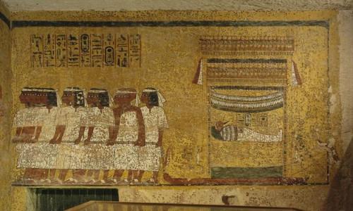Căn phòng bí mật đầy của cải trong mộ vua Tut - Ảnh 2.