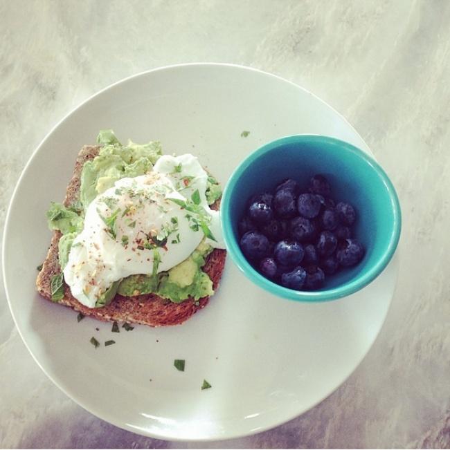 Ăn sáng rất quan trọng: Chuyên gia Mỹ gợi ý 14 cách ăn sáng đủ dinh dưỡng - Ảnh 3.