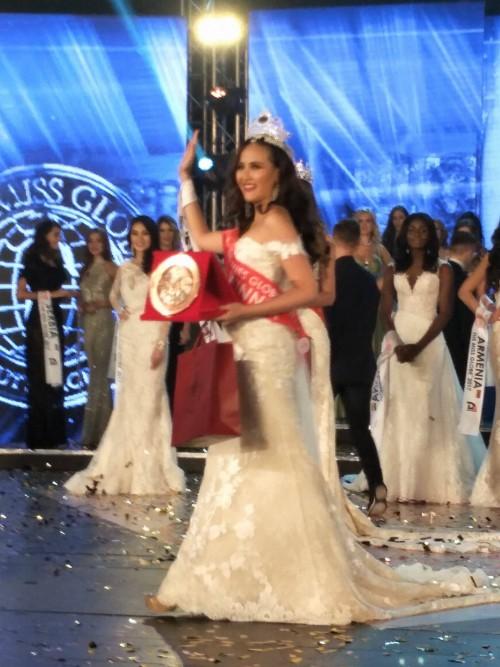 HOT: Khánh Ngân đăng quang Hoa hậu Hoàn cầu 2017 - Ảnh 3.