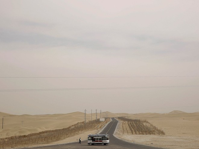 Trung Quốc muốn xây đường ống nước dài 1.000 km nhằm biến sa mạc khổng lồ thành ốc đảo trù phú - Ảnh 2.