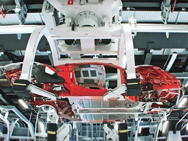 Ferrari truyền đam mê cho cả robot lắp ráp - Ảnh 3.