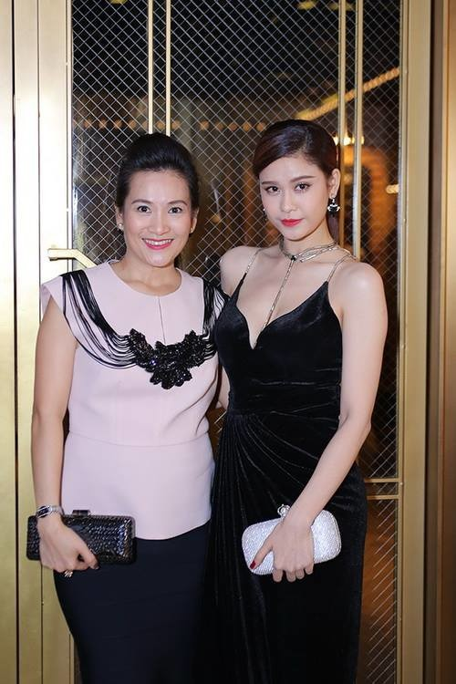 Trước khi lùm xùm nghi vấn người thứ 3 nổ ra, Trương Quỳnh Anh đã từng thân thiết với bà xã Bình Minh - Ảnh 3.