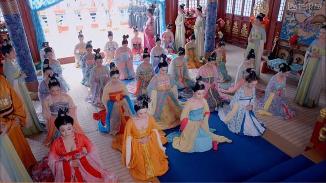 Giữa hàng ngàn mỹ nữ trong tam cung lục viện, Hoàng đế chọn người để ân ái bằng cách nào? - Ảnh 3.