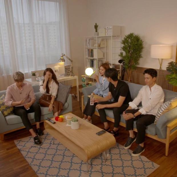 Sự thật đằng sau loạt ảnh Nam Joo Hyuk o bế mỹ nhân mặt đơ, bơ đẹp bạn gái cũ Lee Sung Kyung - Ảnh 21.
