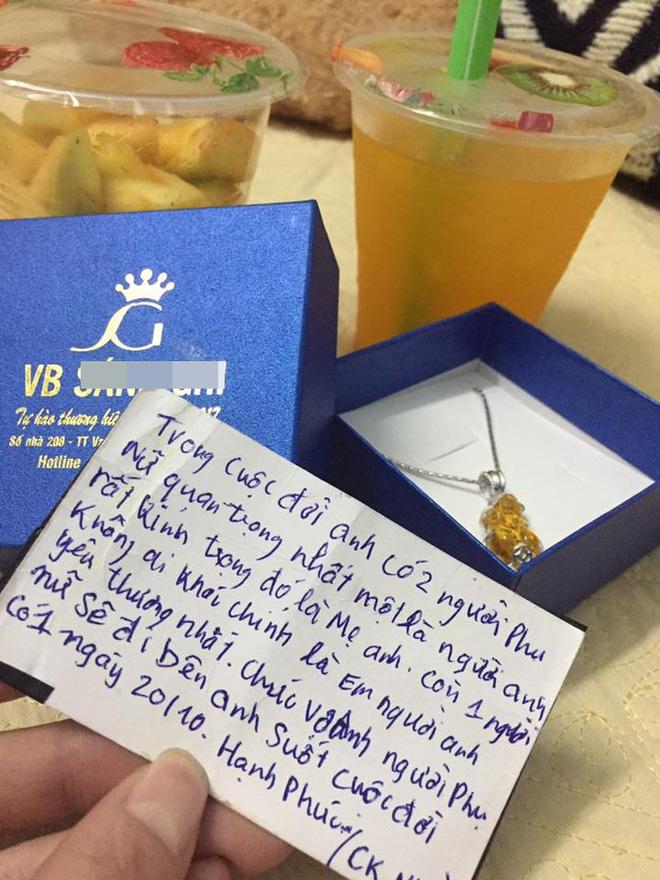 Chị em tới tấp khoe quà 20/10: Người sung sướng với vàng bạc, xe ga, người được tặng rổ hoa thiên lý - Ảnh 26.