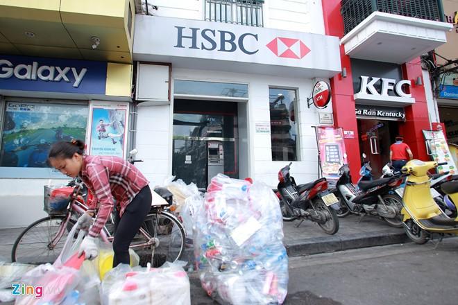 Những xó xỉnh rút tiền ở Hà Nội - Ảnh 4.